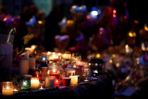 Homenaje al recuerdo de las víctimas del atentado de Manchester.