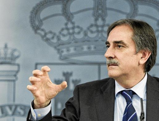 El ministro Valeriano Gómez explicó el plan de choque tras el Consejo de Ministros.
