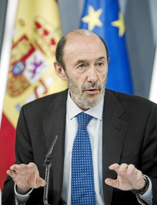 Rubalcaba explicó las actuaciones de Interior respecto a Sortu.