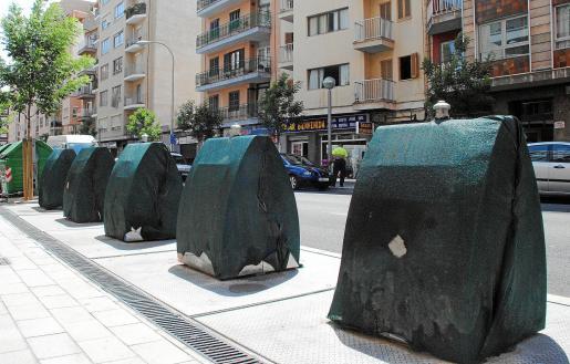 Los contenedores soterrados de Avinguda Argentina entrarán en funcionamiento el próximo lunes.