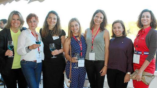 Carmen Barquero, Antoniya Stoycheva, Marta Sánchez, Tanya Dimitrova, Belén Soto, Carmen Peñas y Esther Ovejero.