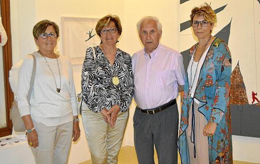 Joana Ochogavía, Maria Vives, Jordi Albís y Aina Cifre.