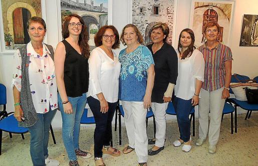 Paquita Comes, Marga Rigo, Angela Forteza, Carmen González, María Crespí, Aina Oliver y Margalida Bauça.