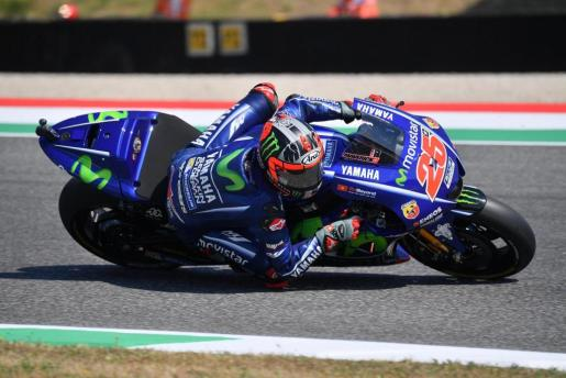 Scarperia (Italy), 03/06/2017.- Spanish MotoGP rider Maverick Vinales of Movistar Yamaha MotoGP team during the MotoGP free pratice session of the Italian Grand Prix at the Mugello circuit in Scarperia, Italy, 03 June 2017. (Ciclismo, Motociclismo, Italia) EFE/EPA/LUCA ZENNARO Motorcycling Grand Prix of Italy 2017