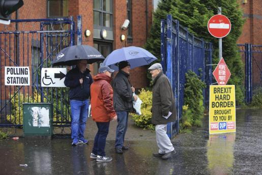 Los británicos votan este jueves en unas elecciones generales anticipadas por la primera ministra, Theresa May.