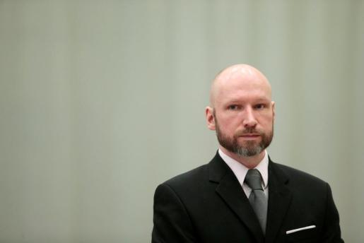 Juicio al ultraderechista noruego acusado de terrorismo.