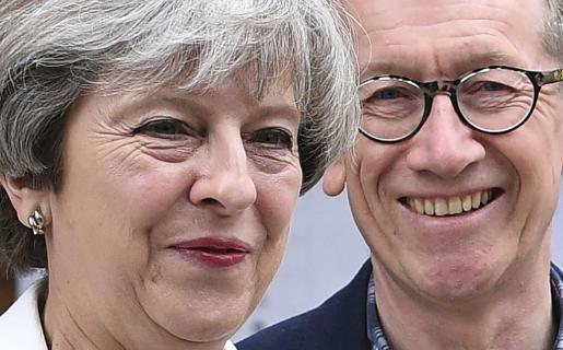 La primera ministra británica, la conservadora Theresa May, y su marido Philip May.