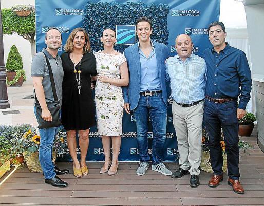Juan Oltra, Carlota Rivero, Ágata Clemente, Alexander Calvo, Juan Góngora y Toni Ribas.