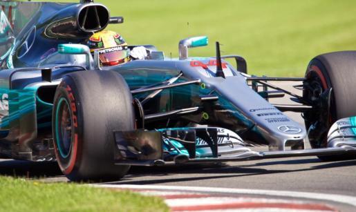El piloto británico del equipo Mercedes Lewis Hamilton durante la fase de calificación del Gran Premio de Canadá.