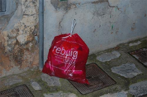 La bolsa roja ya se ha implantado en cinco pueblos del Raiguer.