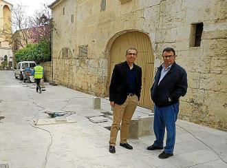 Muro trabaja en las infraestructuras municipales y en la excelencia en las playas
