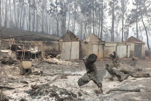 Varias casas afectadas por el fuego en Nodeirinho.