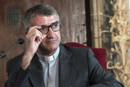 El nuevo obispo auxiliar de Barcelona Antoni Vadell ha mostrado este martes en Palma su sorpresa por la confianza depositada en él por el papa Francisco para ejercer su nueva misión pastoral.