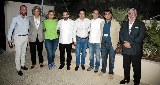 José Luis Mateo, Joan Buades, María Moreno, Arsenio Fuentes, Pepe Rodríguez, Víctor González, Yago Negueruela y Rafael Salas.