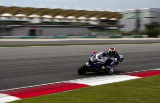 Lorenzo rodó ayer por primera vez con la nueva Yamaha YZR M1.