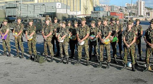 Para los soldados rasos, el sueldo ronda los 1.000 euros, dependiendo del regimiento.