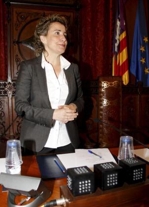 Aina Calvo, durante una sesión plenaria en el Ajuntament de Palma.