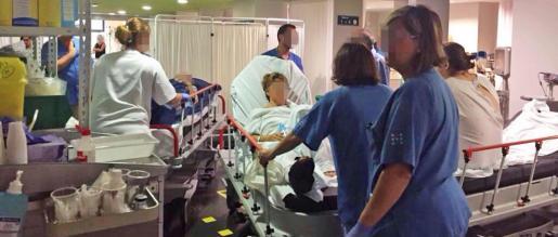 Imagen de este martes de la saturación registrada en las Urgencias del hospital de Son Espases.