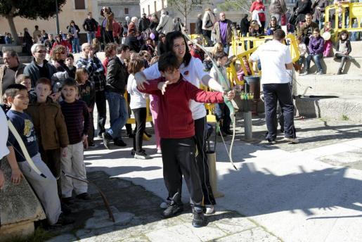 El tir amb arc és una de les activitats organitzades per als més joves.