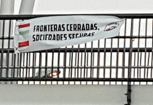 Imagen de una de las pancartas colgadas el domingo.