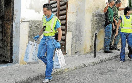 La Guardia Civil del cuartel de Algaida ha procedido a la detención del joven de 18 años de edad.