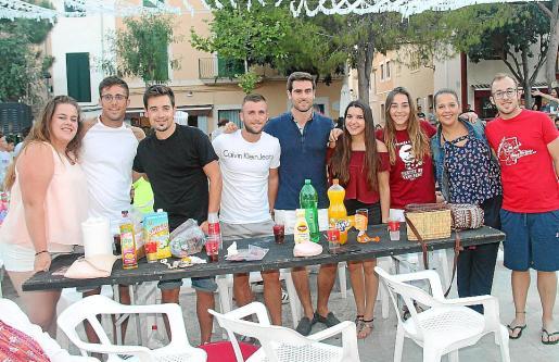 Maitane Iñan, Adrià Gutiérrez, Adrián Martínez, Manuel Espinosa, Jordi Roig, Melani Hidalgo, Malén Castell, Catalina Coll y Enaitz Iñan.