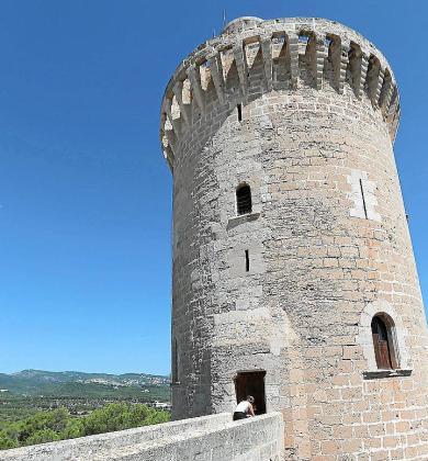 Vista general de la Torre de l'Homenatge, en Bellver.