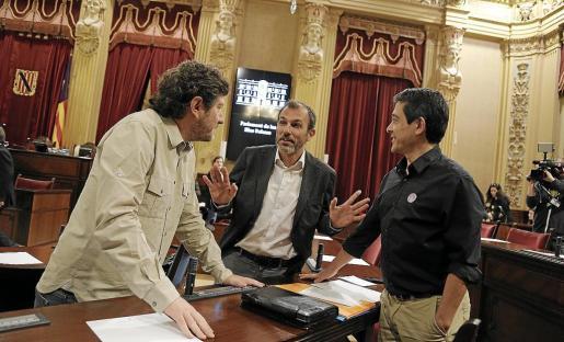 Ni Alberto Jarabo (Podemos) ni Nel Martí (Més per Menorca) están de acuerdo con el proyecto de ley presentado por Biel Barceló.