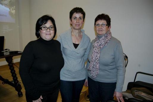 María Esperança Nicolau, Margalida Febrer y Antonia Perelló.