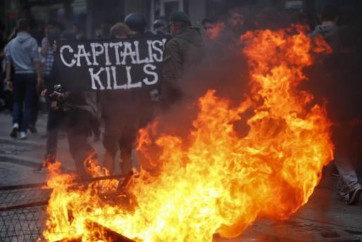 Un momento de los disturbios vividos este viernes en Hamburgo con motivo de la cumbre del G20.