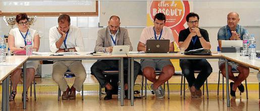Imagen de la mesa presidencial de la Asamblea de la FBIB celebrada ayer en Palma.