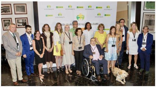 Premiados, representantes de la ONCE y autoridades durante la entrega de los Premiso Solidarios 2017.