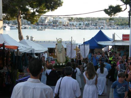 Portocolom, como núcleo costero de Felanitx, celebra la tradicional procesión marinera con motivo de las fiestas de la Mare de Déu del Carme.