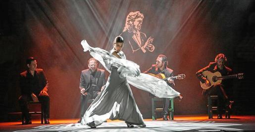 Imagen promocional de la bailarina Sara Baras, durante un espectáculo.