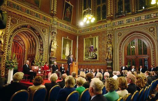 El Rey, durante el discurso ofrecido a los Cámaras británicas reunidas en la Royal Gallery del Palacio de Westminster.