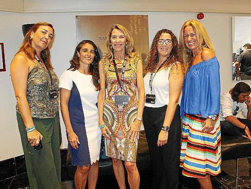 Gema Izquierdo, Pilar Sevilla, Elizabeth Homberg, Patricia Raduán y Patricia Moliné, de Fundación RANA.