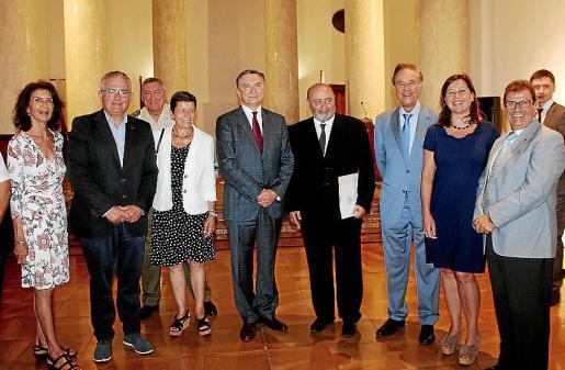 Carmen Planas, Jaume Font, Juan Cifuentes, Carmen Serra, Yuri Korchagin, Sebastià Roig, Gabriel Escarrer, Francina Armengol y Llorenç Huguet.
