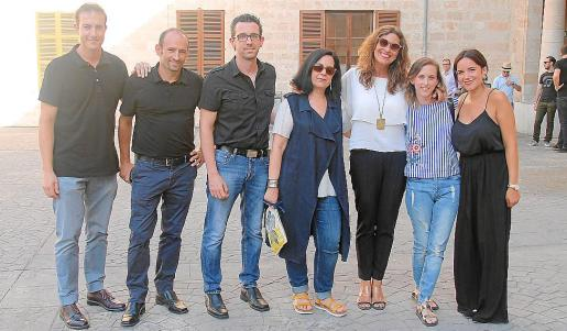 David Monge, Paco Blayo, Toni Rigo, Luz Marcos, Cris Peeters, Fàtima Lladó y Cristina Martínez.