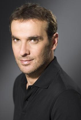 El actor Luis Merlo fue ingresado en la madrugada del miércoles en el hospital con pronóstico reservado.