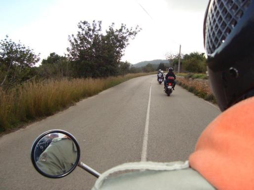 Scooters en Ibiza.