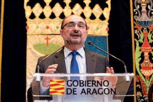 Imagen del presidente del Gobierno de Aragón, Javier Lambán, durante un discurso.