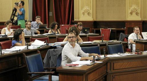 Biel Barceló en el Parlament este martes.