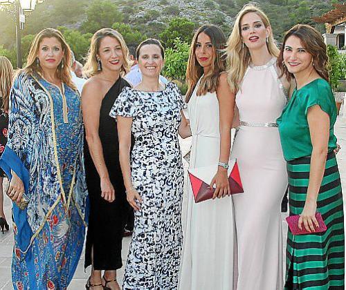 Lucila Siquier, Lola Martínez, Guitin Timoner, Rocío Cayuela, Teresa Baca y Cristina Beteta.