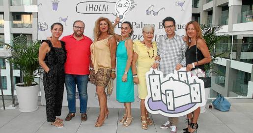 Pepa Olmedo, Tommy Ferragut, Sedi Behvarrad, Silvia Riera, Isabel Agüero, Iñaki Muñoz y Cons Ramón.