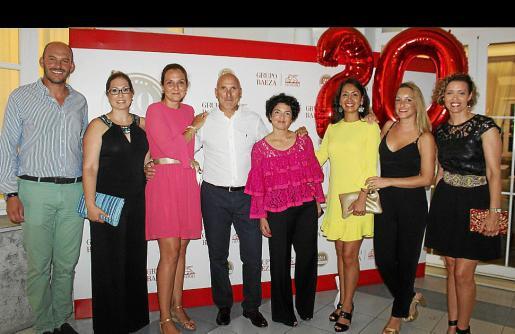 El equipo de Grupo Baeza: Juan Cerdá, Francisca Quetglas, Irene Colom, José Baeza, Marga Pons, Andrea López, Susana Castillo y Joana Maria Estrany.