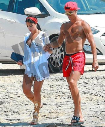 Cristiano Ronaldo junto a su novia Georgina.