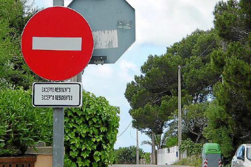 Desde mayo está restringida la entrada con coches excepto a residentes.