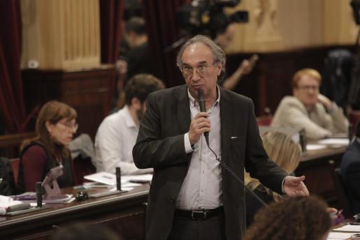 Podemos y Martí March intentan salvar el acuerdo sobre los Presupuestos en Educación.