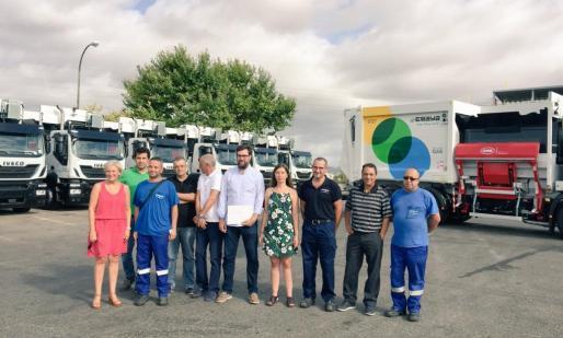 El alcalde de Palma, Antoni Noguera, y la presidenta de Emaya, Neus Truyol, han presentado la mañana de este martes los nuevos vehículos adquiridos por la empresa municipal.