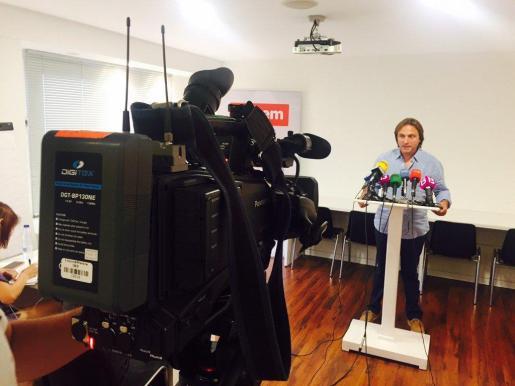 El presidente de Aptur Baleares, Joan Miralles, durante la rueda de prensa que ha ofrecido este martes.